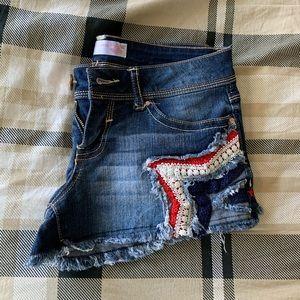 Juniors/Women's Short Shorts